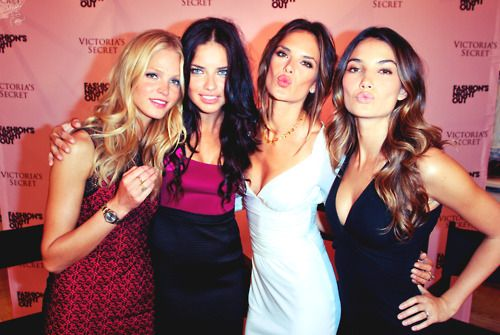Erin, Adriana, Alessandra, and Lily <3