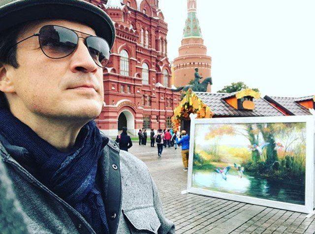 «Доброе утро, Москва. Что больше всего мне не терпится увидеть в России? Русских».Nathan Fillion | Нэйтан Филлион