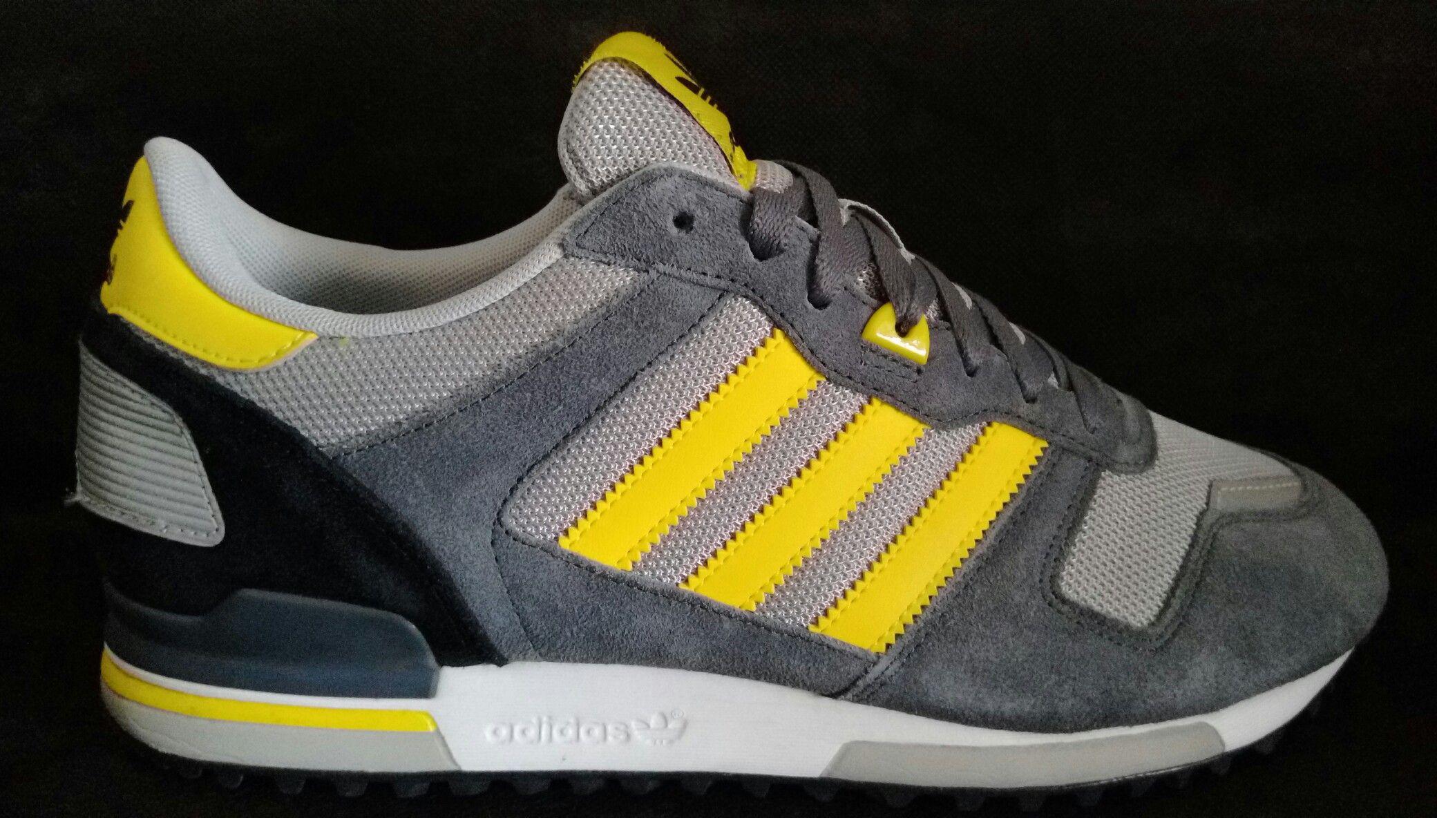 Adidas ZX 700 giallo