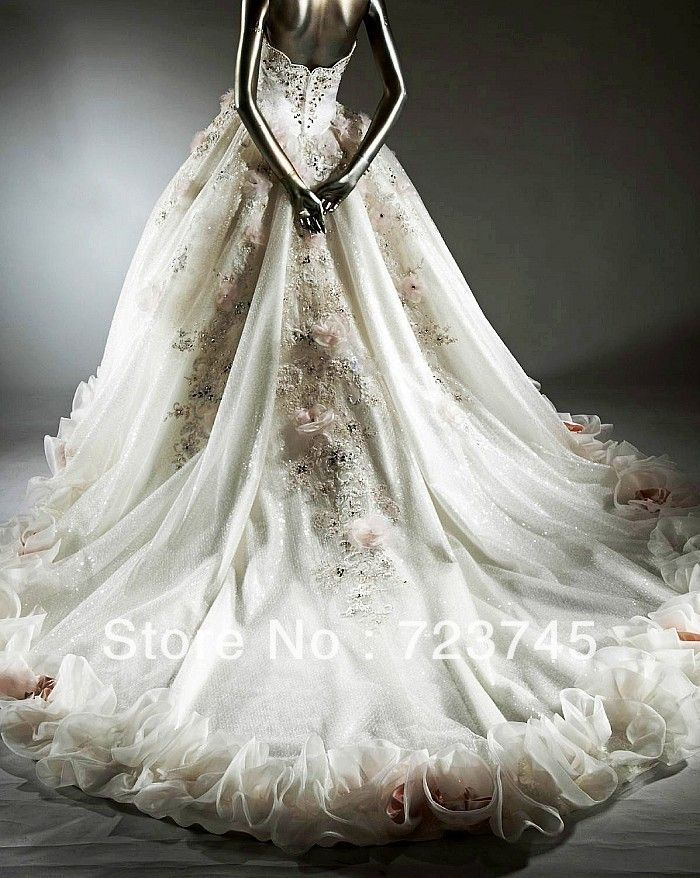 World S Most Expensive Wedding Gown Wedding Gallery Wedding Dresses Wedding Dress Accessories Bridal Dresses