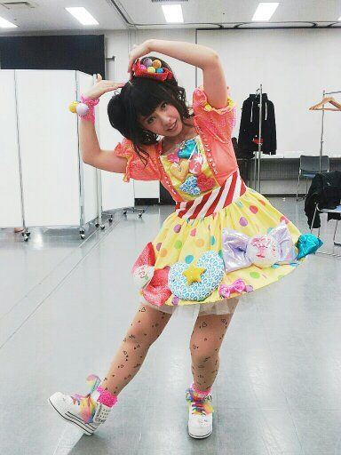 Nana in her costume from the Kitagawa Kenji video   山田菜々 ...
