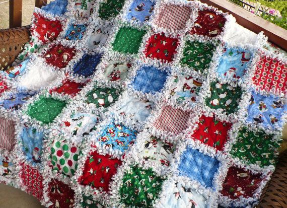 would be neat to put christmas quilts in kids room for christmas ... : kids christmas quilts - Adamdwight.com