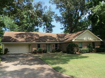 Sold 2320 Tanglewood Trail Virginia Beach Va 399 900 5 Br 2 Ba 2 600 Sq Ft You Will Love This Spacious 5 Bedroom All Br Virginia Beach Real Estate