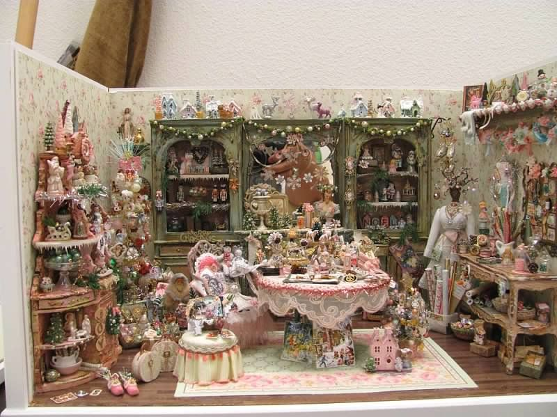 Shabby Christmas roombox.  Lots of ideas here.