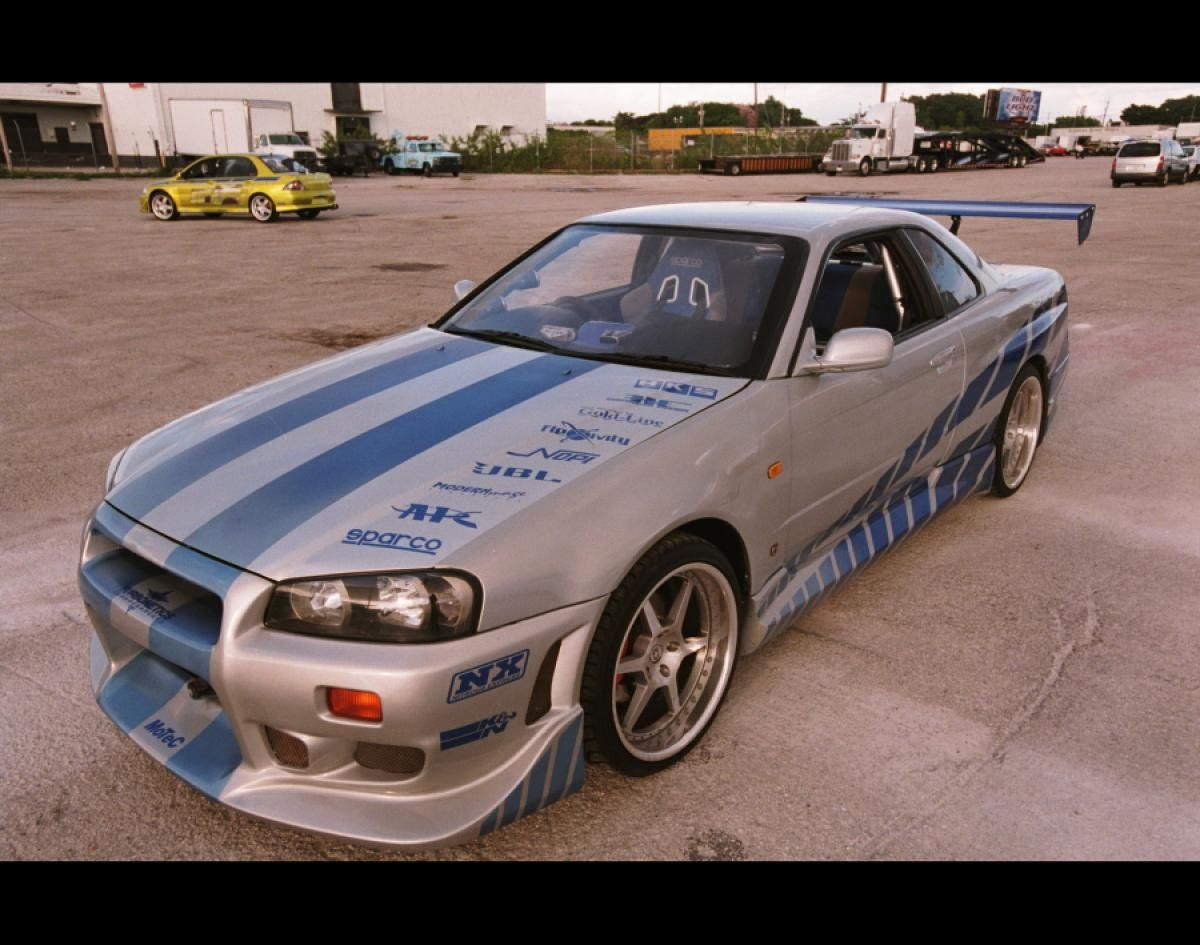 39 2 fast 2 furious 39 1999 nissan skyline gt r photos 39 fast and furious 39 cars top rides from. Black Bedroom Furniture Sets. Home Design Ideas