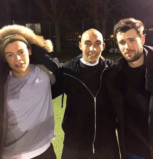 1D Updates   @1DLittleSecret      Harry with Craig Fagan and Jack Whitehall last night 05.01.16 ⚽️⚽️⚽️⚽️⚽️⚽️⚽️⚽️⚽️⚽️⚽️⚽️⚽️⚽️⚽️⚽️⚽️⚽️⚽️⚽️ Craig Fagan   @Craigfagan7          Good start to the New year! Funny evening spent with @ Harry_Styles and @ jackwhitehall @ liamnorval top guys ⚽️