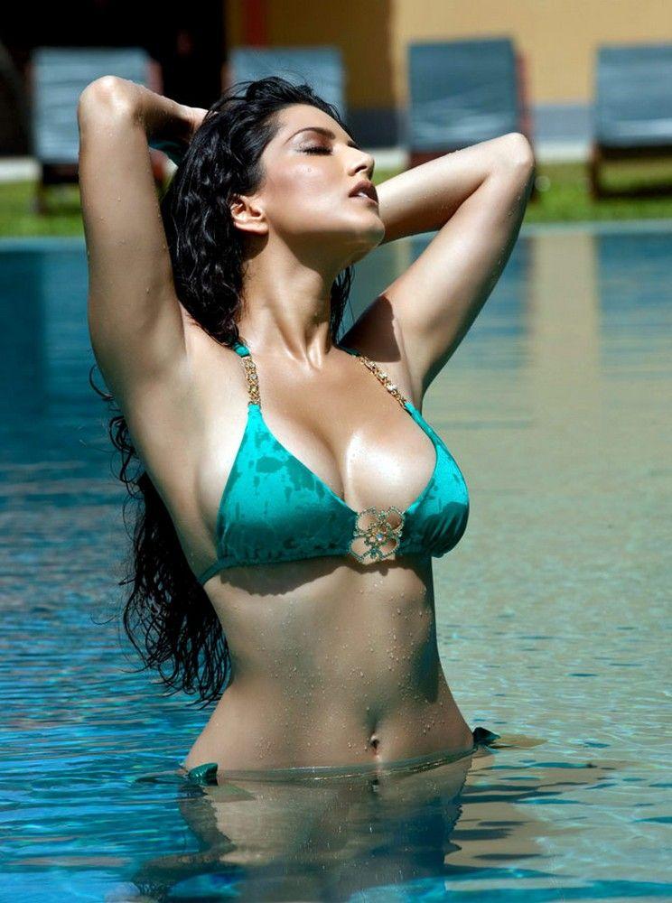 Beautiful tamil television actress nude naked boobs chut photos