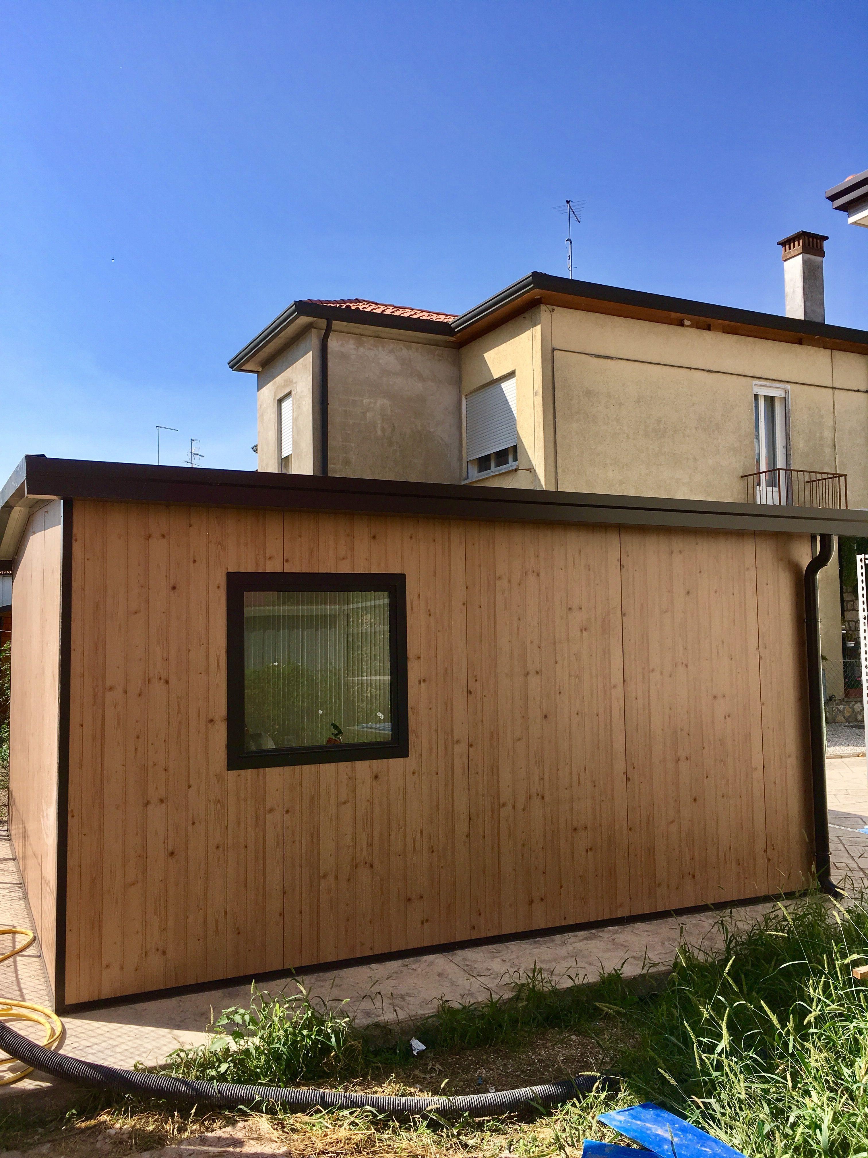 Box Garage In Pannelli Sandwich Finto Legno Effetto Perlina Ciliegio