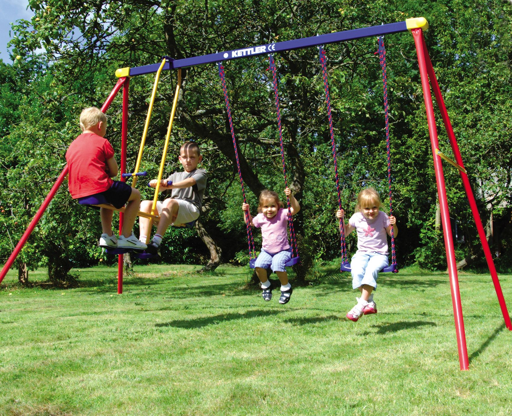Swingset with 2 regular swings and Glider swing. | Play ...