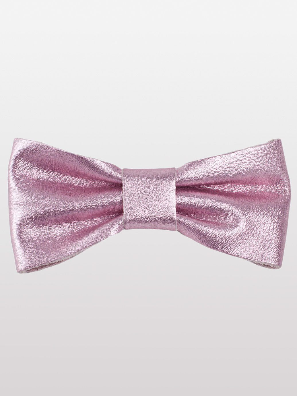 Leather Bow Clip in Metallic Pink by #AmericanApparel.  #leather #pink #metallic #accessories #hairbows