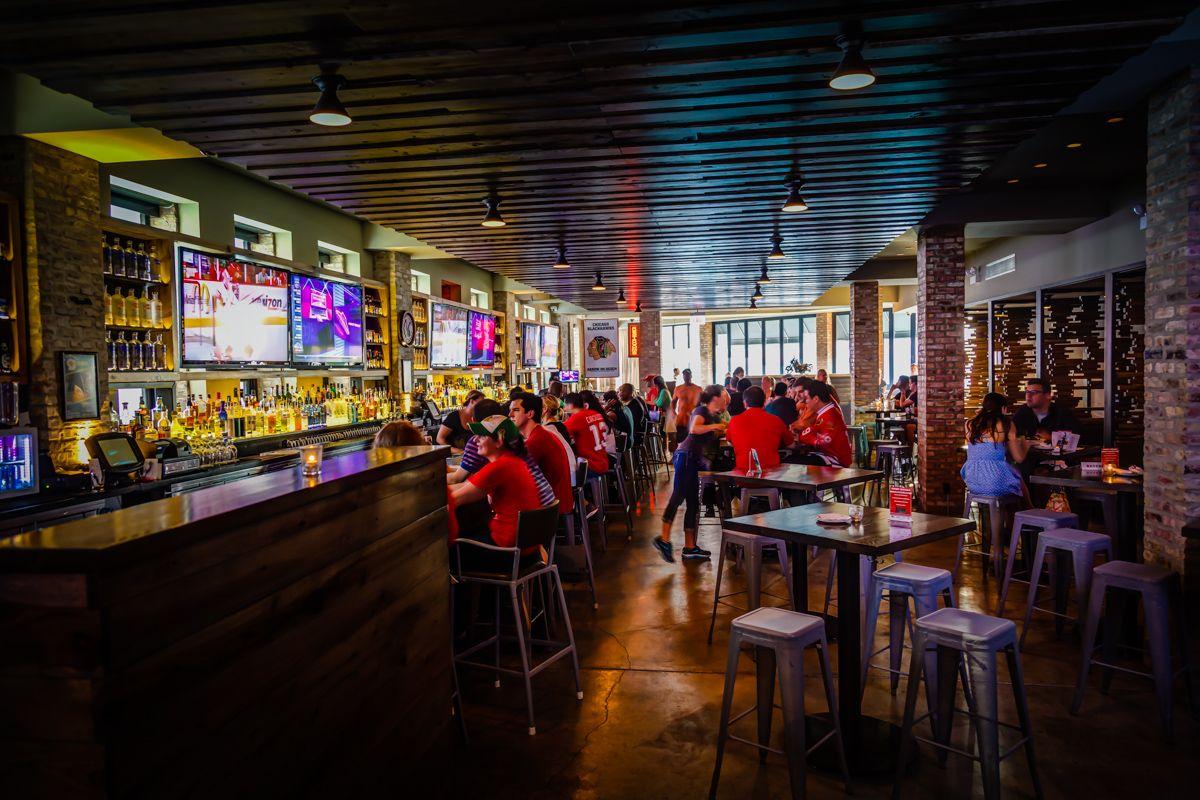 The 5 Best Bars Near the United Center
