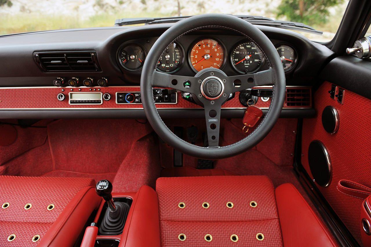 Singer Porsche 911 Indonesia interior