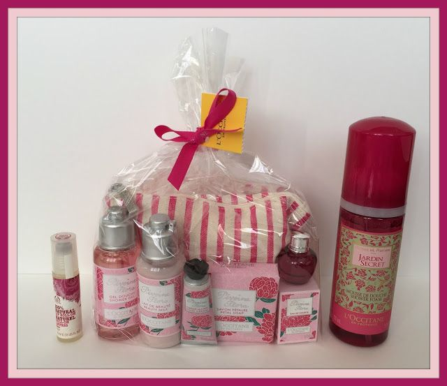 Suze likes, loves, finds and dreams: Fabulous Freebie Weekend Giveaway: Pink Beauty Products
