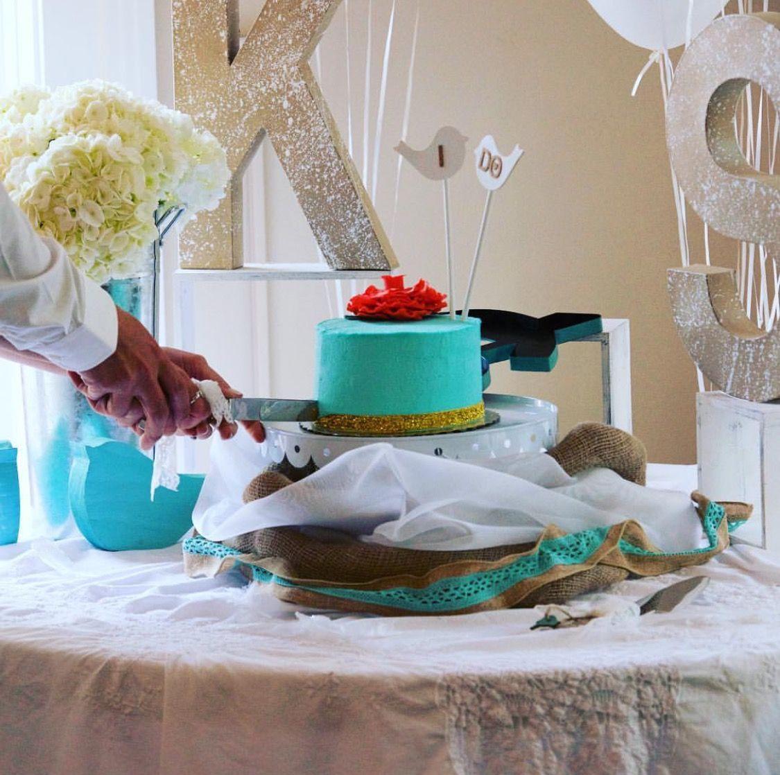 Boho LOVE BIRDS wedding cake table. Shabby chic decor created by Imprint Affair.