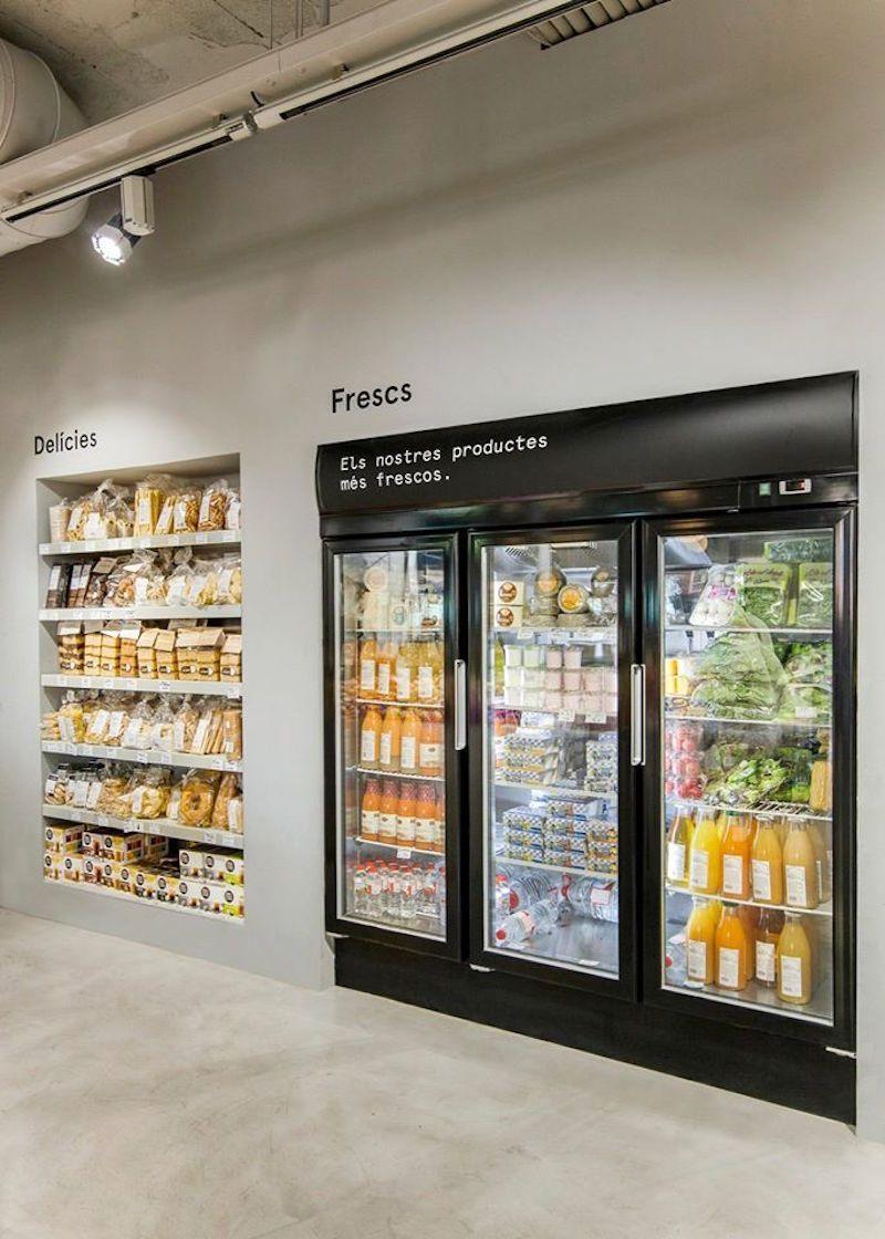 Casa Nostra Fruit Store In Barcelona Interiores De Tienda