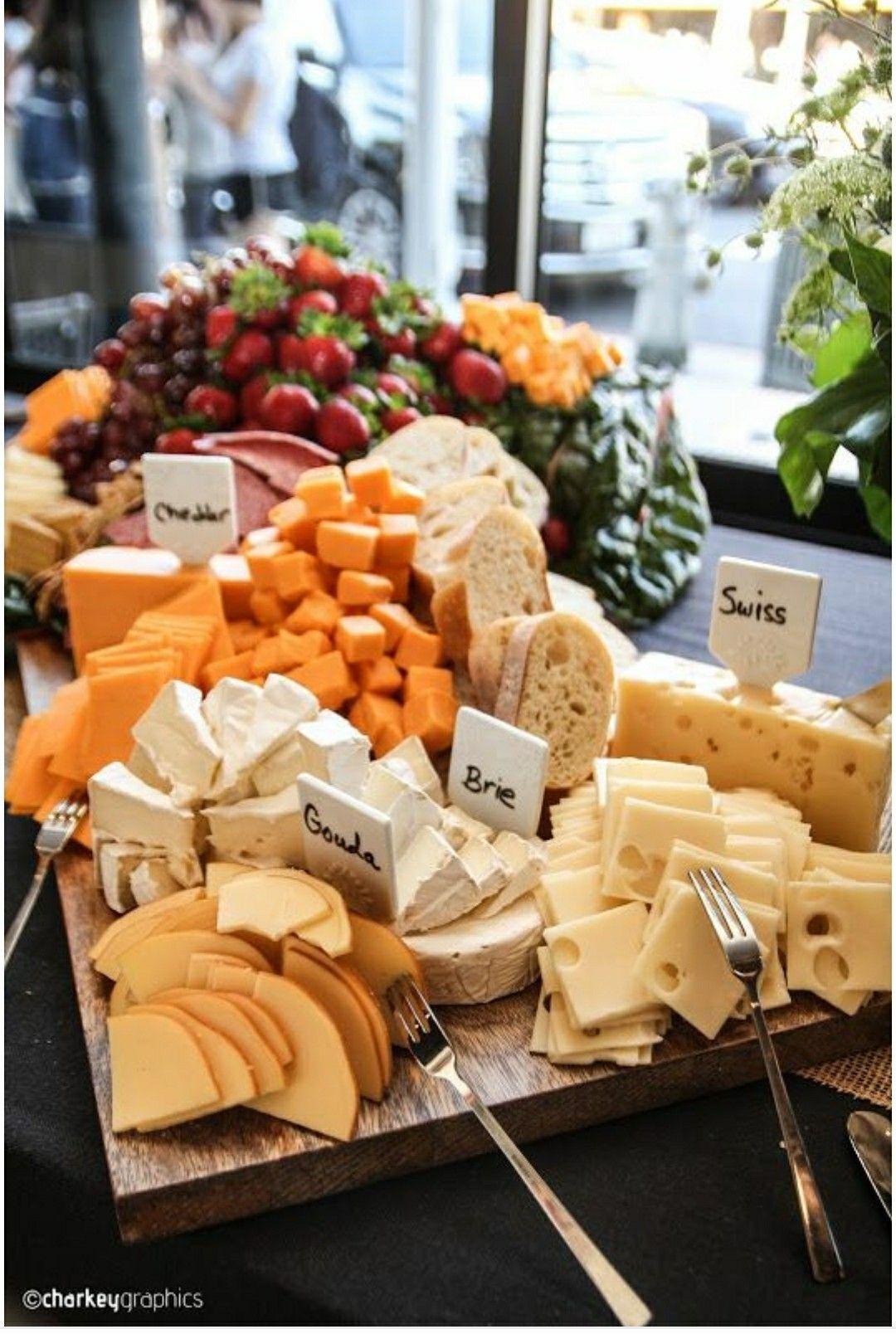 Image du tableau Idées breakfast buffet de C é c i l e | Présentation amuse-gueule, Fromage feta ...