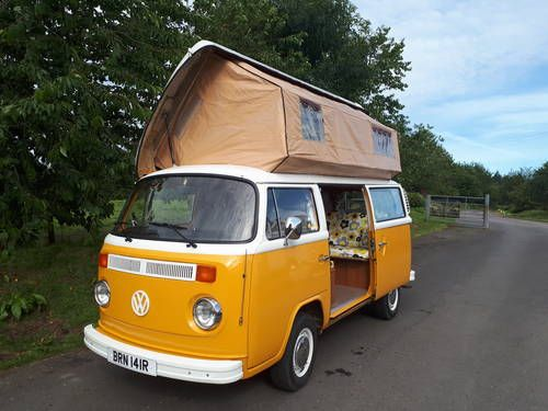 93b5577c1f 1976 VW Camper with Viking Roof (picture 1 of 6)