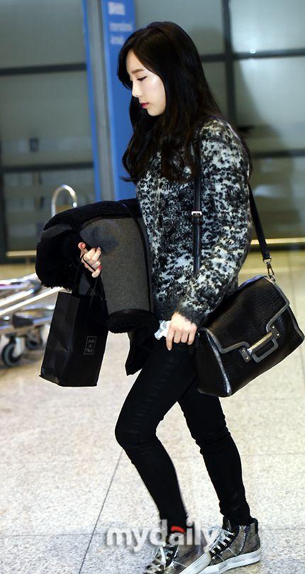 snsd taeyeon airport fashion 150105 2015 snsd airport