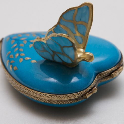 Oneckoha Fashion Ab Color Rhinestone Butterfly Brooch Pin: Turquoise... Makes Me Crazy