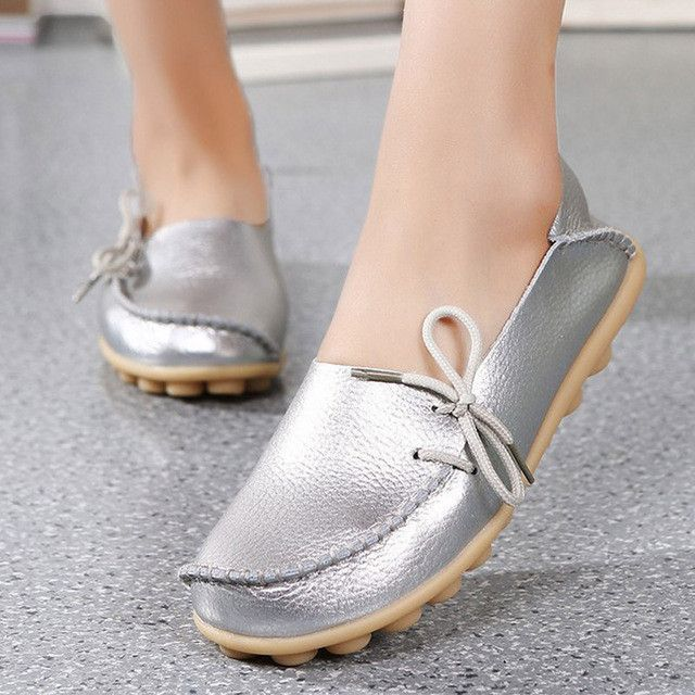 2017 Women Shoes Soft Genuine Leather Flat Shoes Slip On Loafers Casual Moccasins Comfortable Nurse Peas flats Shoes Big Size 43