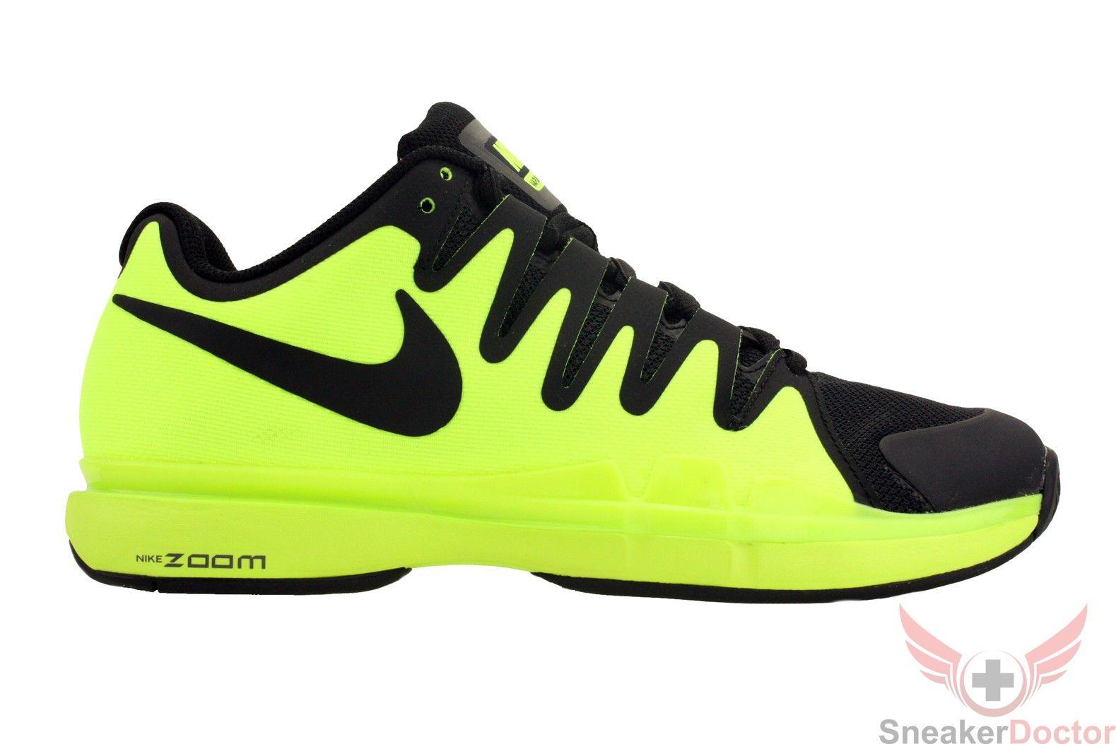 Nike Mens Zoom Vapor 9.5 Tour Tennis Shoes VoltBlackDark