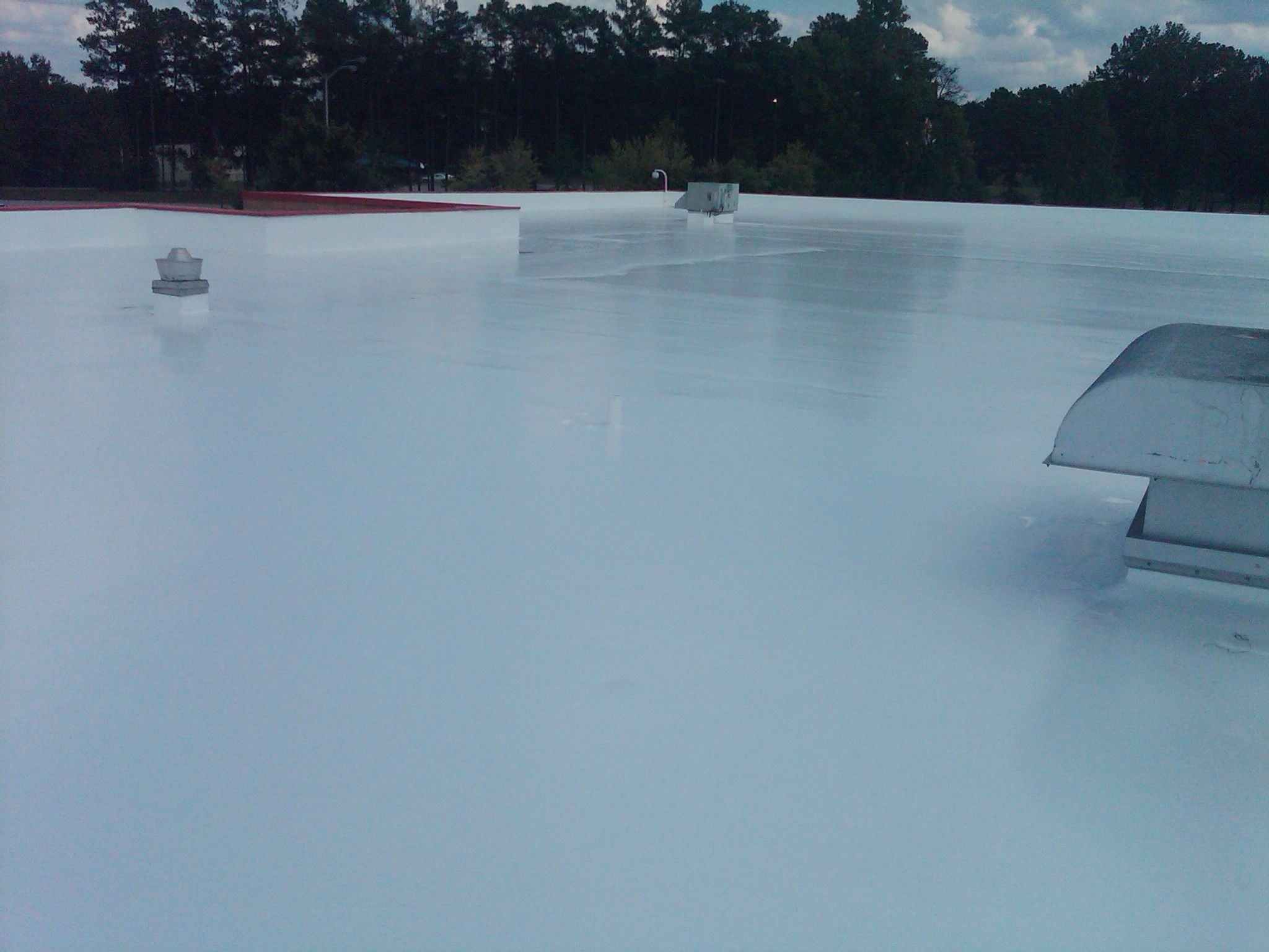 Best Roof Coating For Flat Roof In 2020 Flat Roof Sealant Roof Sealant Roof Coating