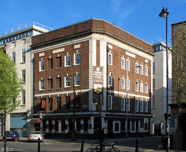 The Gun, Aldgate. - The Gun was situated at 54 Brushfield Street. This pub closed on February 20th 2015. It is due to be demolished as part of the further redevelopment of Spitalfields