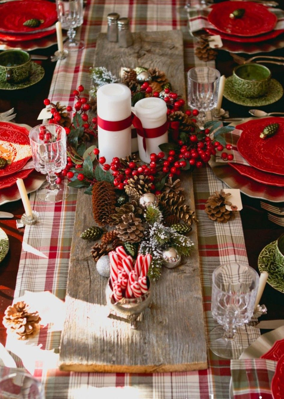 Decoration, Bundle Of Lollipops And Pine Cone Feat Bid Candles For Classy  Christmas Table Decoration