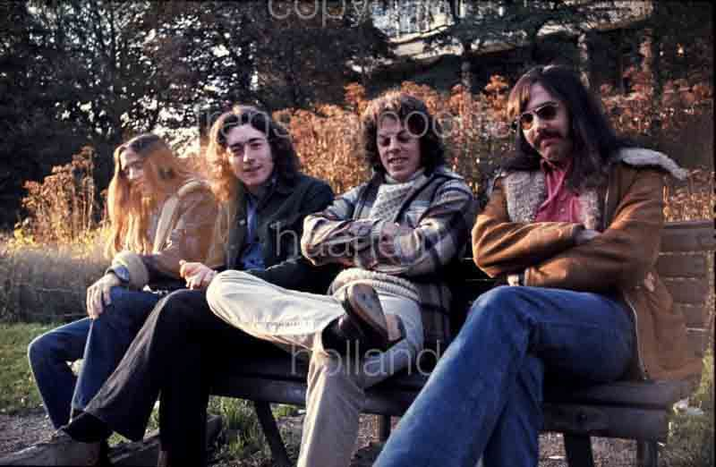 Rory Gallagher Band Mk 2 (1972-1978) - le quartette - Page 5 2b7700d965fa55f95add56c5d207eb96