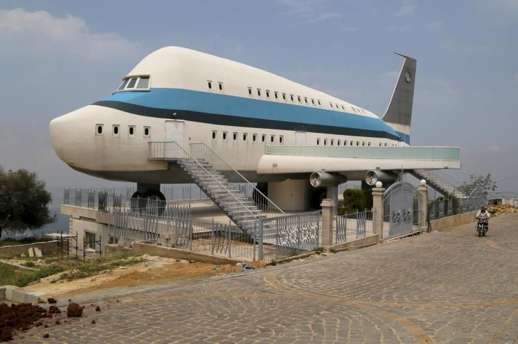 An Airplane House Is Pictured In The Village Of Miziara Northern Lebanon Unusual Homes Airplane House Crazy Houses