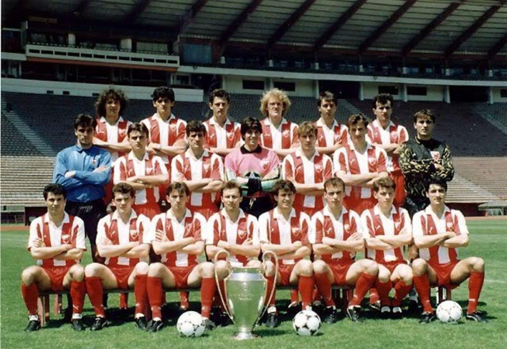 Estrella Roja De Belgrado Serbio Fudbalski Klub Crvena Zvezda Beograd Serbio Cirílico фудбалски клуб црвен Red Star Belgrade Vintage Football Football Club