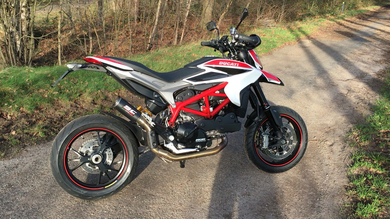 my ducati hypermotard 821 sp with sc project full system 2. Black Bedroom Furniture Sets. Home Design Ideas