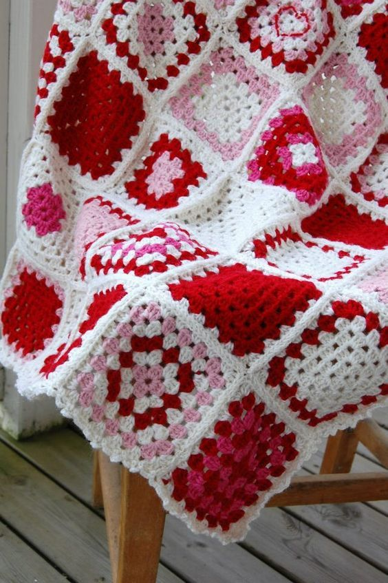 love this - Pink & Red granny square afghan:   Crochet   Pinterest ...