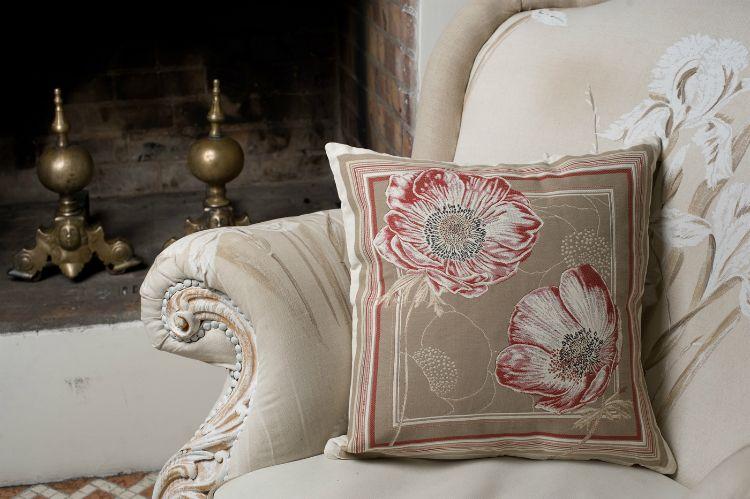 enlever des taches de moisissures et d 39 humidit sur un tissu non d houssable taches de. Black Bedroom Furniture Sets. Home Design Ideas