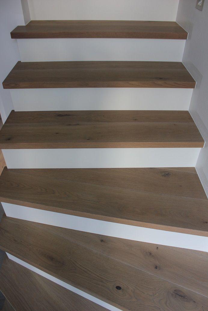 Scala fatta dal pavimento parquet prefinito edition for Scale rivestite in resina
