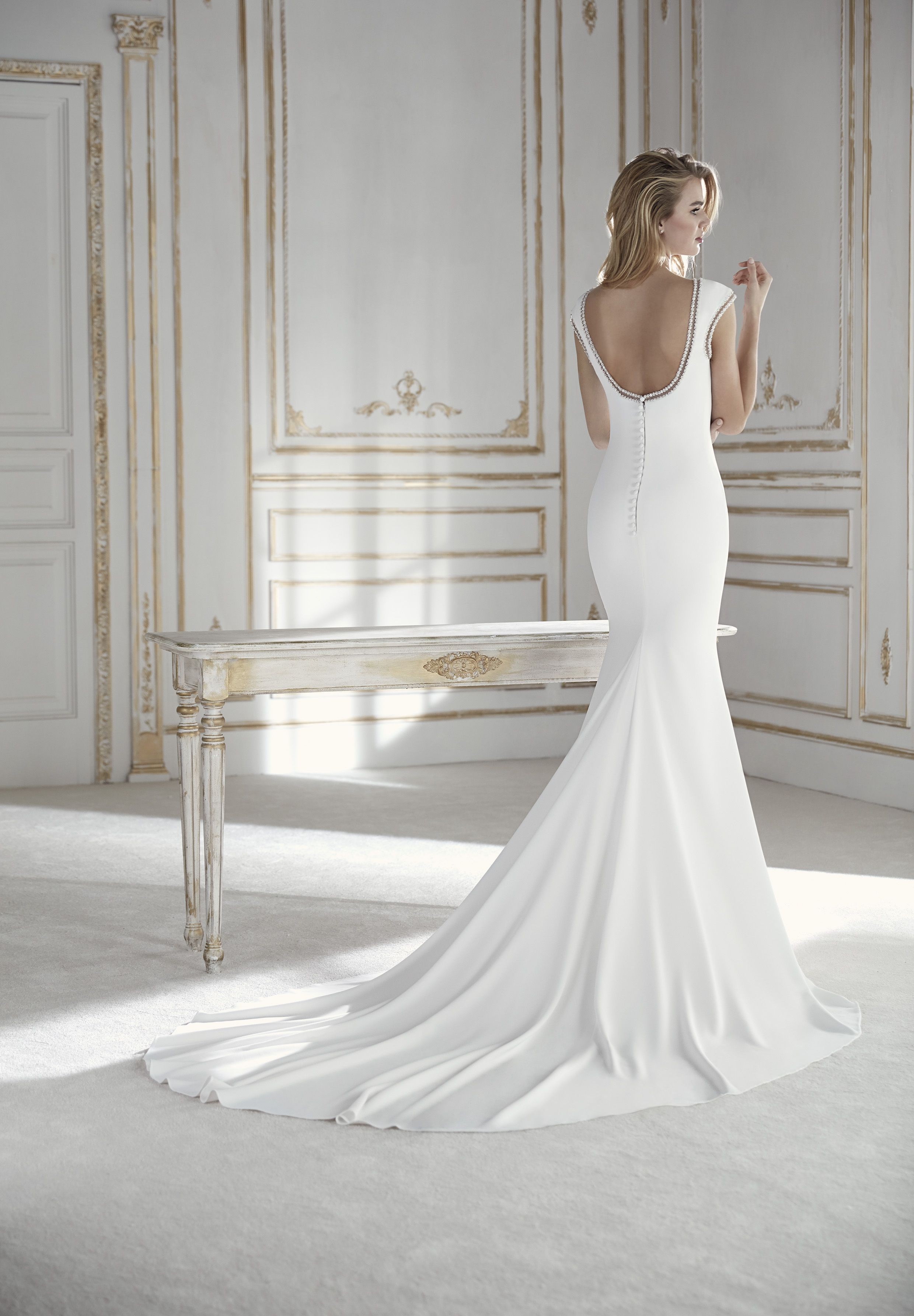 Our Designer Gown Palco From The Collection By Lasposa Thistles Ie Galway S Best Loved Bridal Boutique Wedding Dresses Mermaid Wedding Dress Dresses [ 3569 x 2480 Pixel ]
