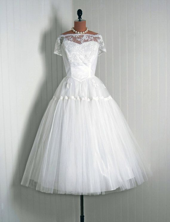 1950\'s Vintage Ivory-White French Chantilly-Lace & Tulle-Couture ...