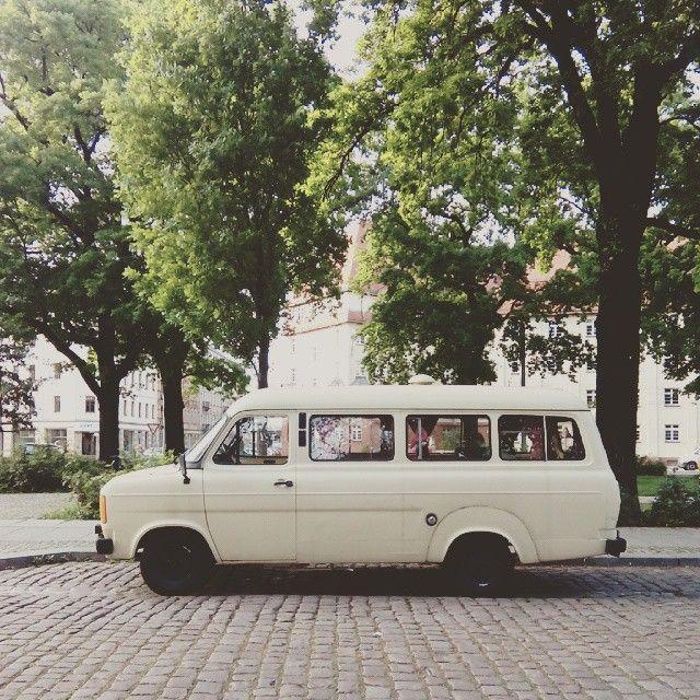 #parkedcars #dresdenneustadt #ford