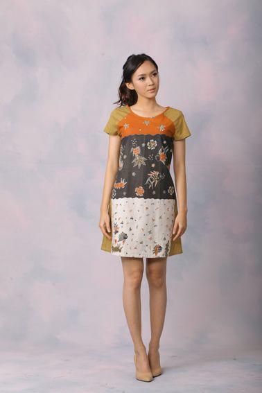 Aubrey 004 IDR 425.000 Comfy Cut Full Front View Batik Sack Dress. Length  of Dress   90 cm Material used   (Front) Batik Tulis 7d4ae10969