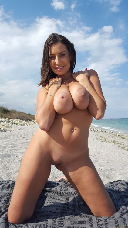 Gorgeous Shaven, Busty Beach Babe Body Of Romanian Porn -9983
