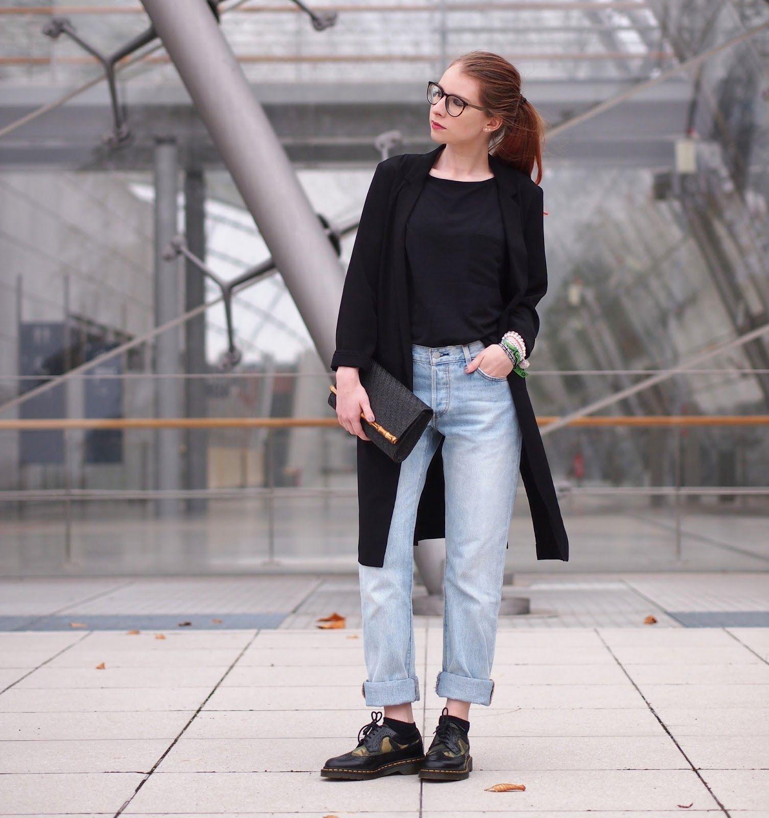 Black t shirt outfit - Outfit Levi S 501 Jeans Und Dr Martens Schn Rschuhe The Fashionable Blog