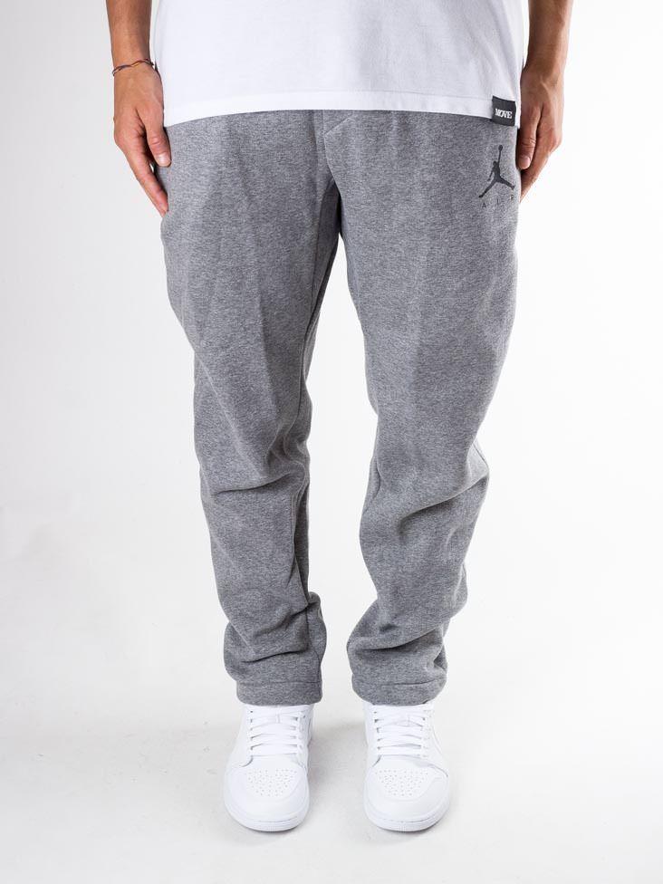 pantaloni adidas nike