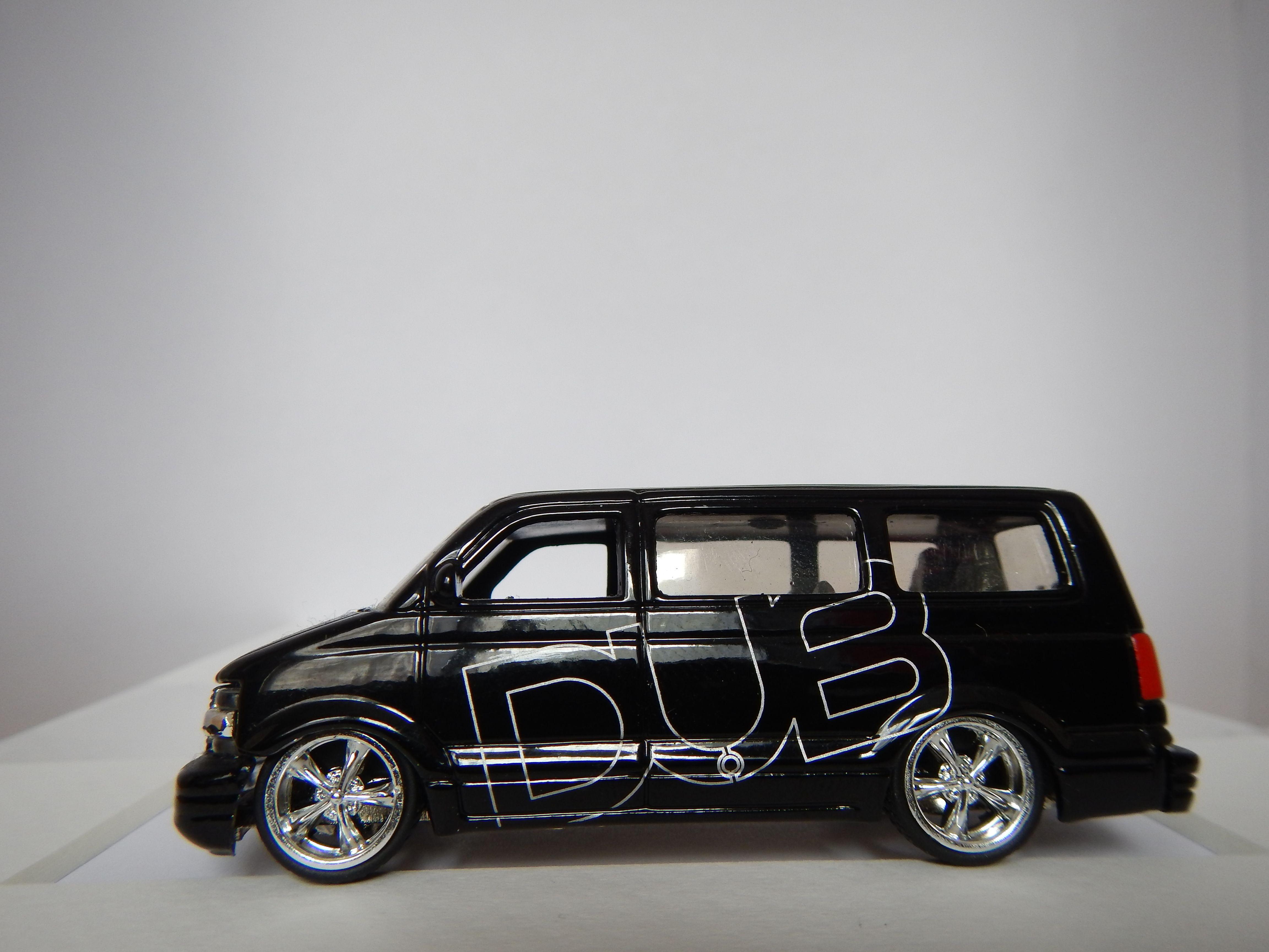 2001 chevrolet astro van by jada toys china  [ 4608 x 3456 Pixel ]