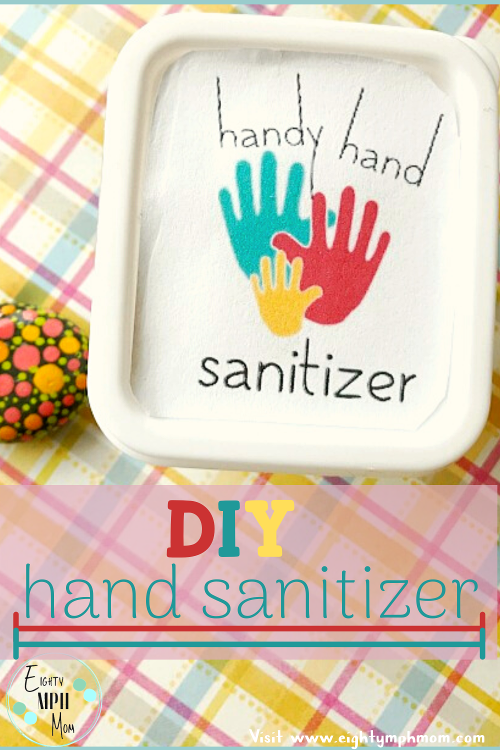 3 ingredient Hand Sanitizer - a quick and easy DIY hand sanitizer recipe that you can make in bulk to make sure that all of your family members have a supply of hand sanitizer on them at all times! Store your homemade hand sanitizer in small squirt bottles or pump bottles, or small plastic containers with lids. #handsanitizer #homemadesanitizer #cleanhands #DIYcleanser #sanitizer #keepitclean #