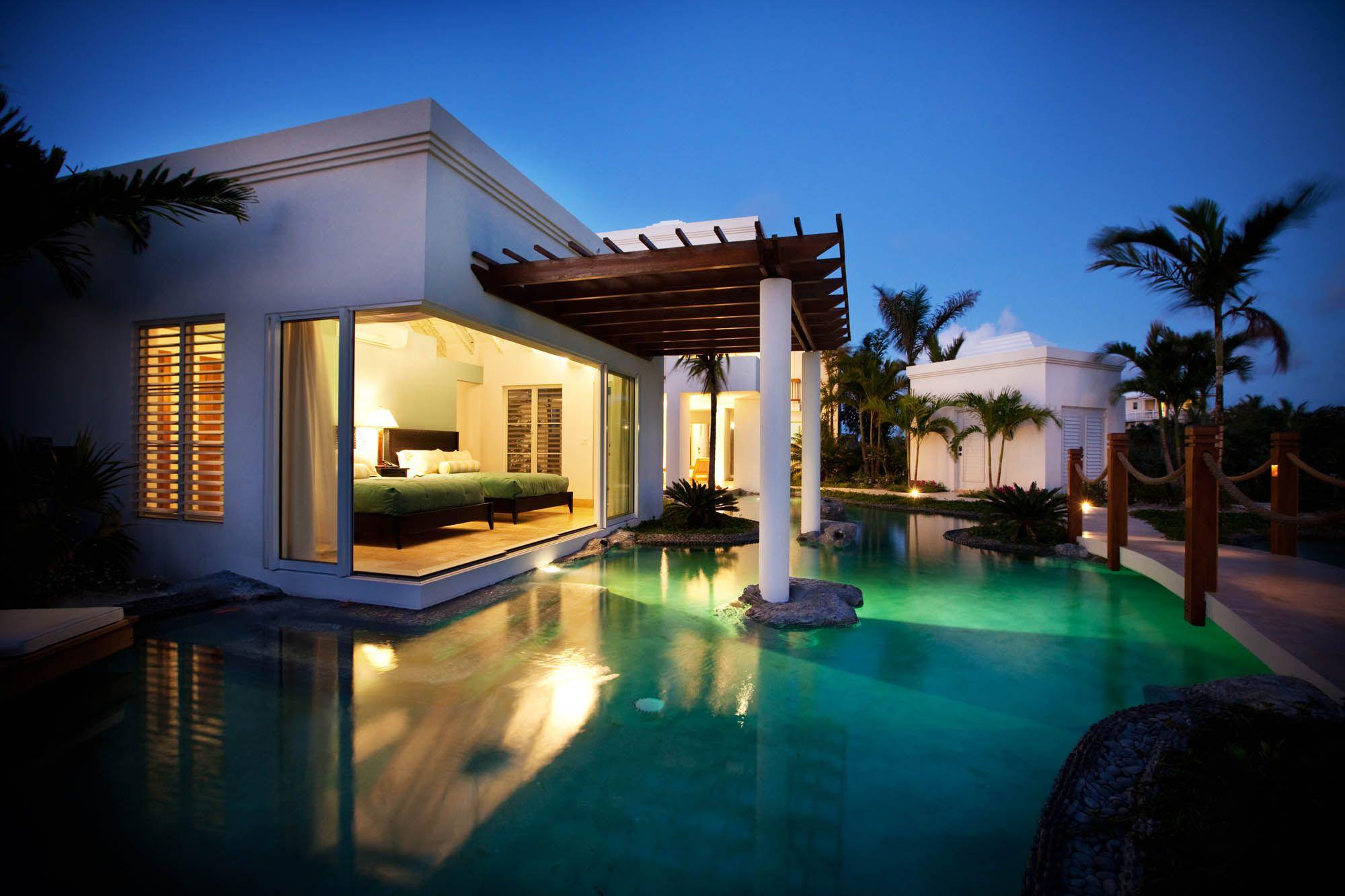 turtle breeze villa, grace bay beach, providenciales (provo