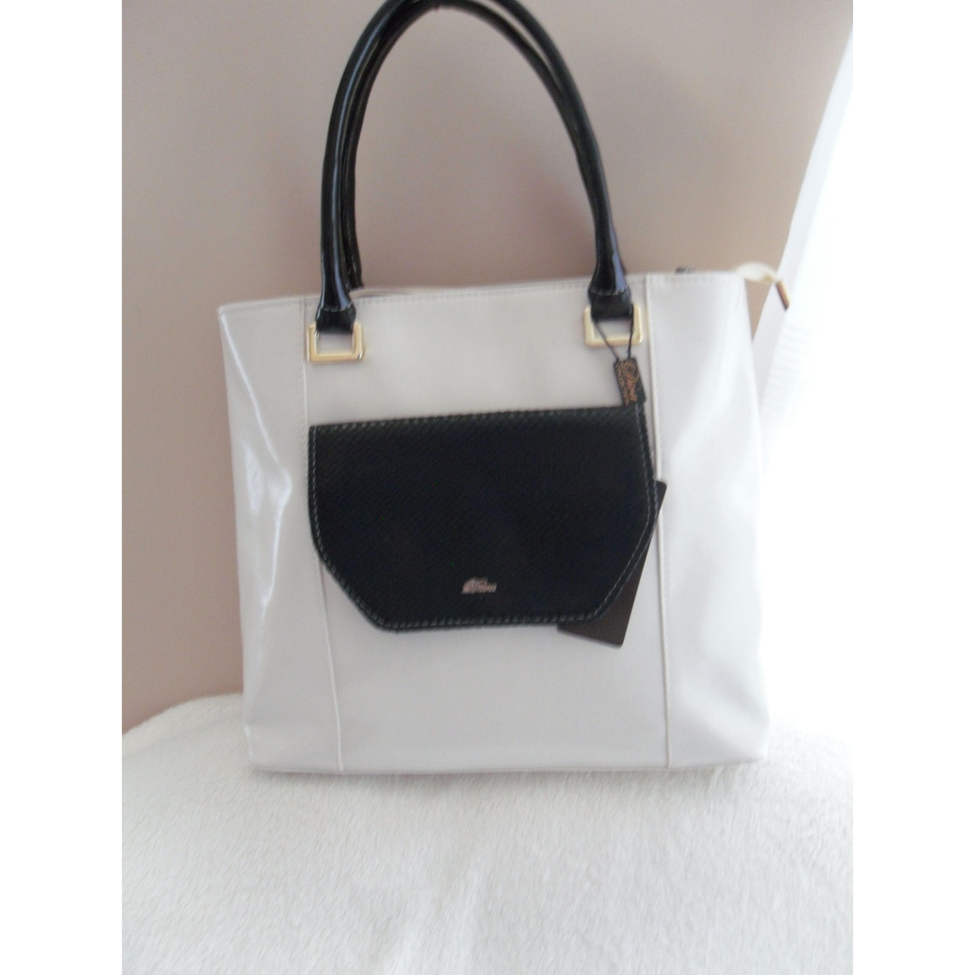 Vajszínű táska fekete betéttel c09dfeef82
