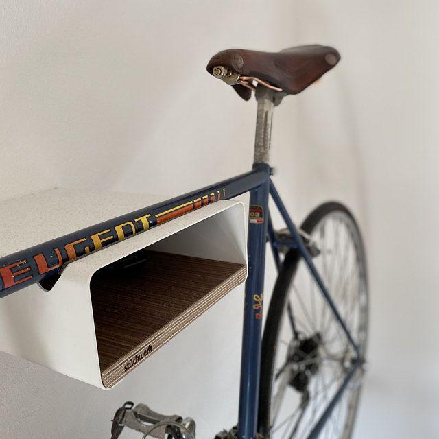 Bikeshelf Velo Stop Wit Walnoot In 2020 Bike Shelf Bicycle Bike
