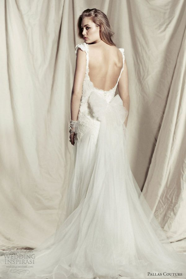 Pallas Couture 2013 2014 Ddestinee Princess Amorette Wedding Dress Cap Sleeves Straps Back Bow