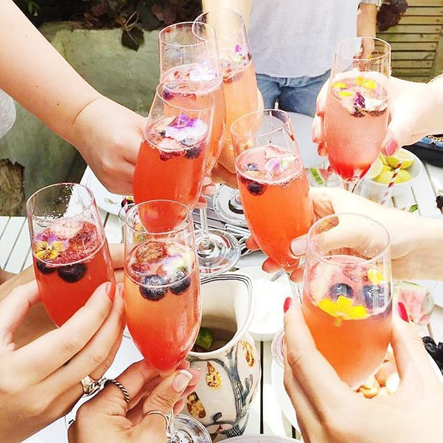 Throwback to the #tbearhen brunch with the most incredible cocktails and gorgeous girls
