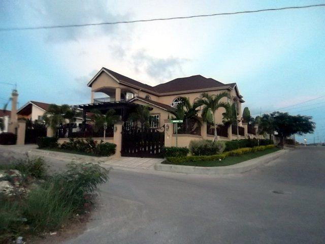 House For Sale In Rhyne Park St James Jamaica